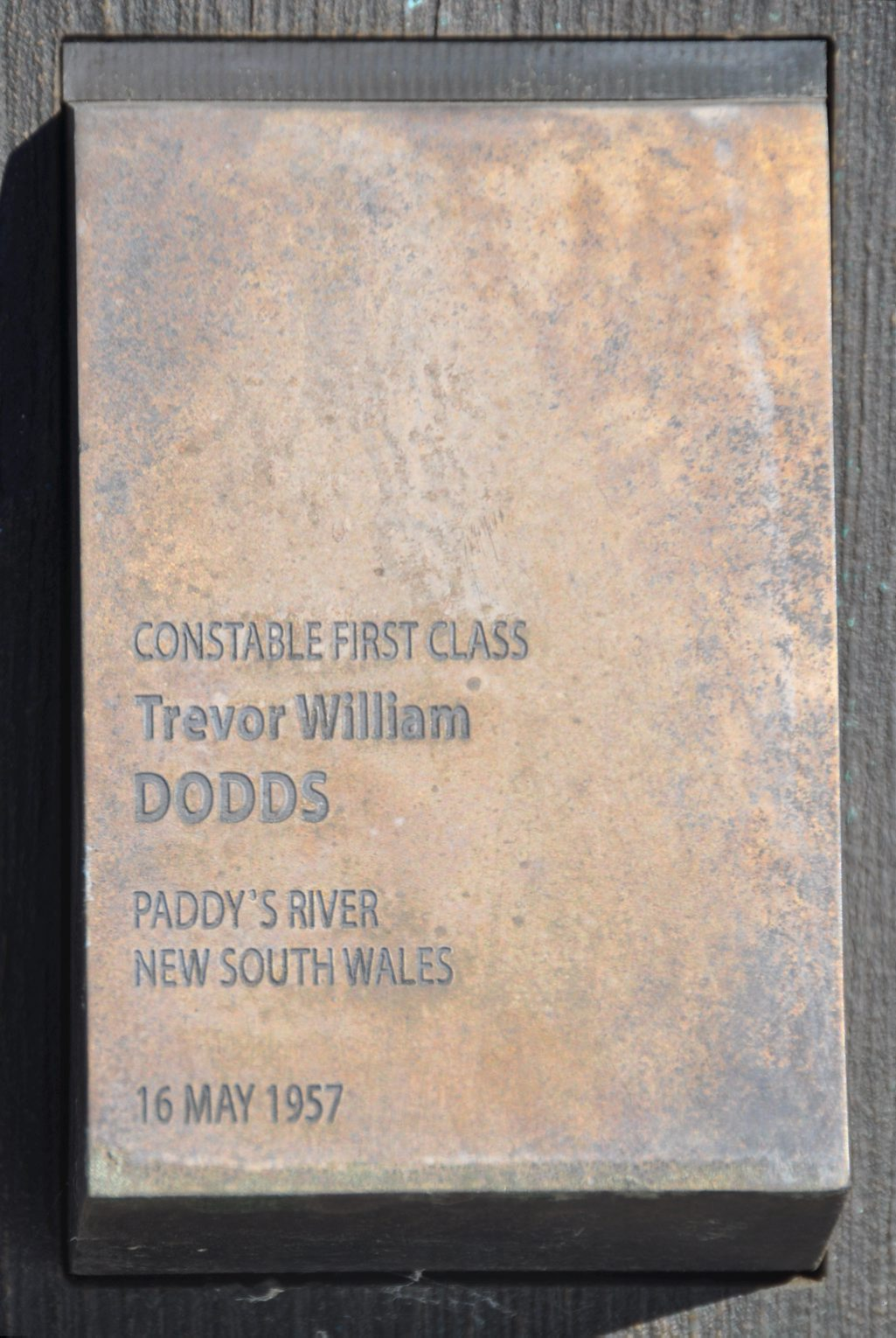 TOUCH PLATE FOR CONSTABLE 1st CLASS TREVOR WILLIAM DODDS, CANBERRA WALL OF REMEMBRANCE