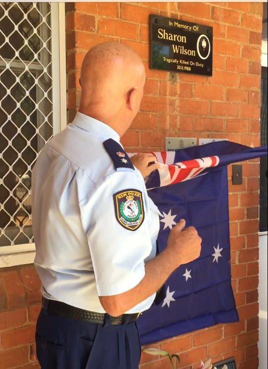 Superintendent Mick Rowan unveiled the new memorial plaque.