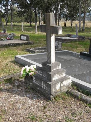 Senior Sergeant William Bowen's grave site at Dungog cemetery