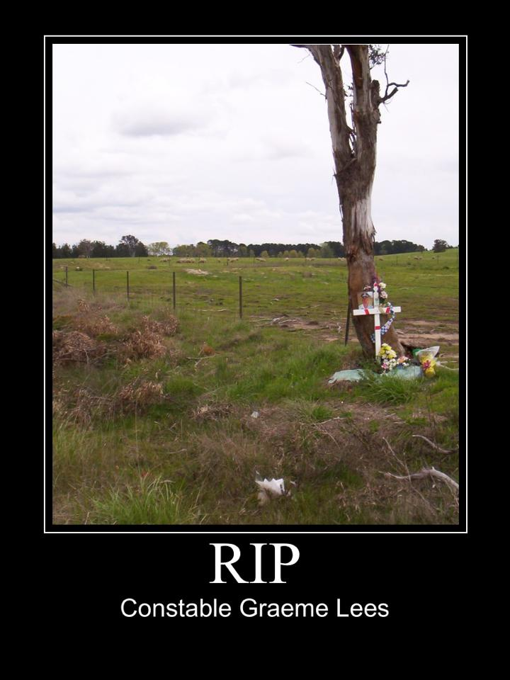 Constable Graeme LEES - MVA - 040405 - Roadside memorial