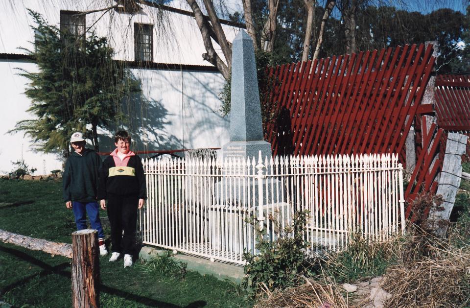 Sam Nelson's monument - 1992