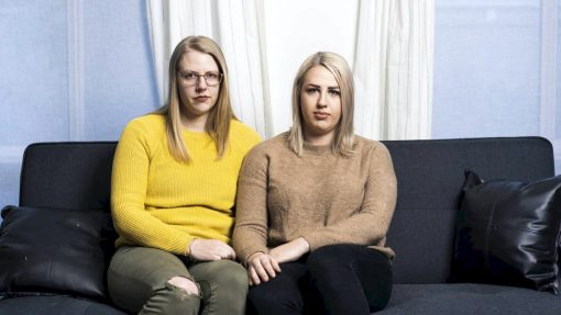 Ariarne Bunyan and her sister Tamara Farrell lost their mum to an accidental prescription overdose. Picture: Dion Georgopoulos
