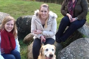 Lauren JOHNSTONE ( top right ) with her two daughters and dog.