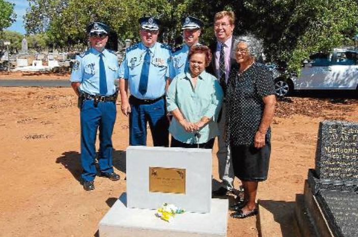 Sergeant Darren Wilkins, Superintendent Stan Single, Assistant Commissioner Geoff McKechnie, Dubbo MP Troy Grant (back) and descendants of Aboriginal tracker Jimmy Nyrang Ruth Carney and Violet Lousick after the unveiling of the headstone. Photo: FAYE WHEELER