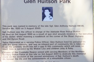 Glen HUITSON park - memorial plaque