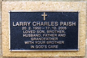 Larry Charles PAISH Ashes plate