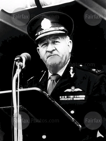Former NSW Police Commissioner, Fred Hanson, gives an address in Sydney. Picture published 9 July 1986. SMH Picture by Staff