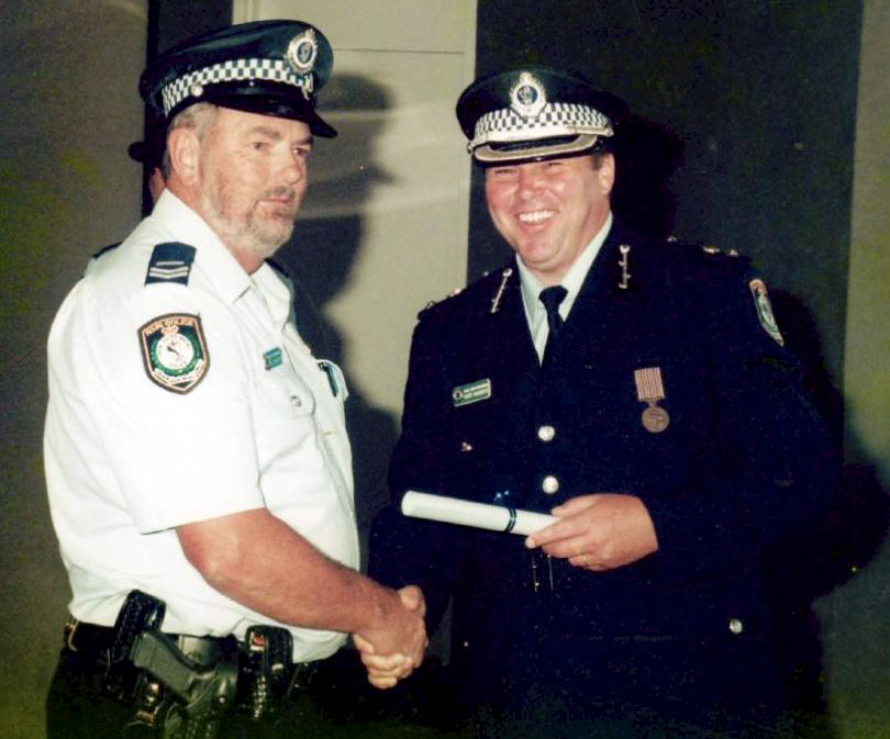 The late Bill Hughes (left) with then Inspector Gary Worboys in the early 2000s<br />