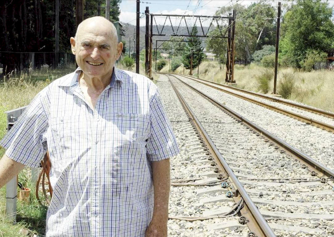 VALE: Cliff McHardy, former Lithgow police officer, passed away over the weekend. He is pictured here in the Lithgow Mercury in 2009.<br />