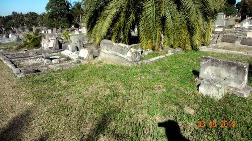 Photo: Karen OZDEN. William SHAKESPEARE Unmarked grave